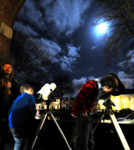 Foto Nacht van de nacht Kijken naar de maan Jan Koeman