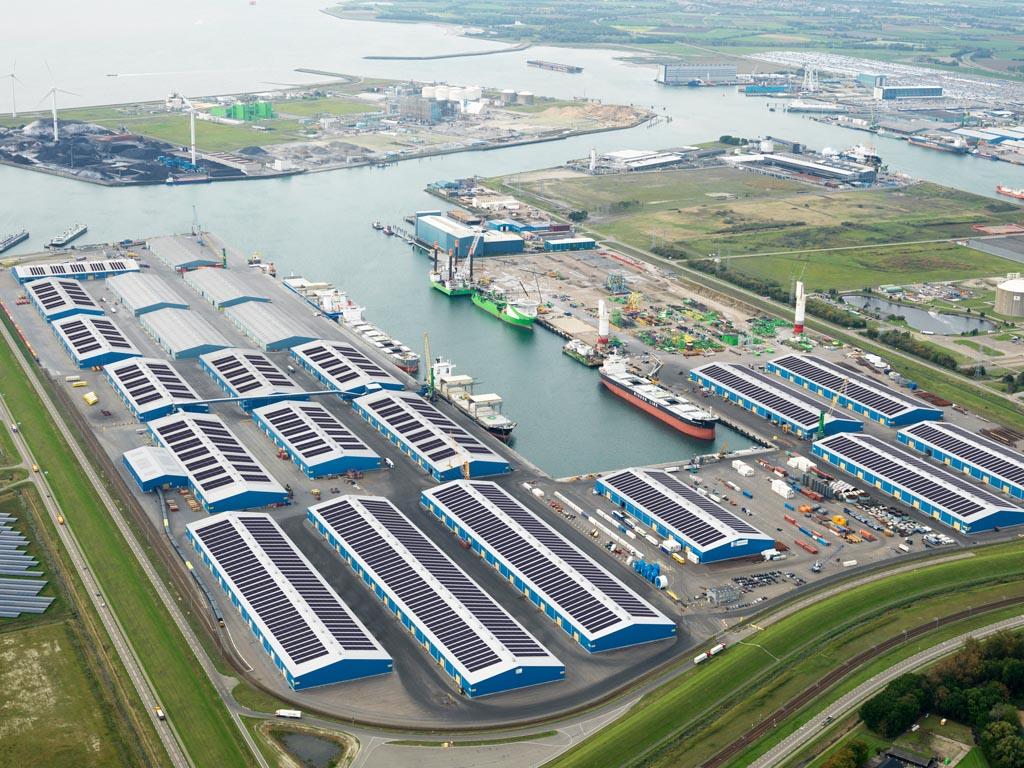 Zeeuws bedrijf geeft het voorbeeld met grootste zonnedak van Nederland